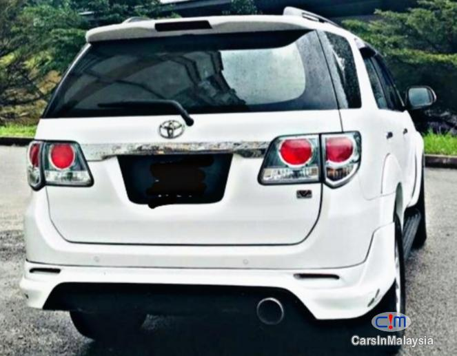 Picture of Toyota Fortuner SUV 7 SEATER Automatic 2012