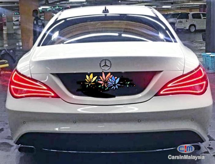 Mercedes Benz CLA200 LUXURY SPORT SEDAN Automatic 2015 - image 12