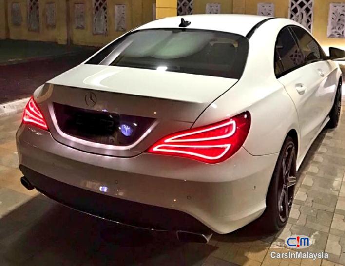 Mercedes Benz CLA200 LUXURY SPORT SEDAN Automatic 2015 - image 9