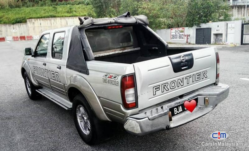 Pictures of Nissan Frontier 2.5-LITER 4X4 TURBO DIESEL MANUAL Manual 2006