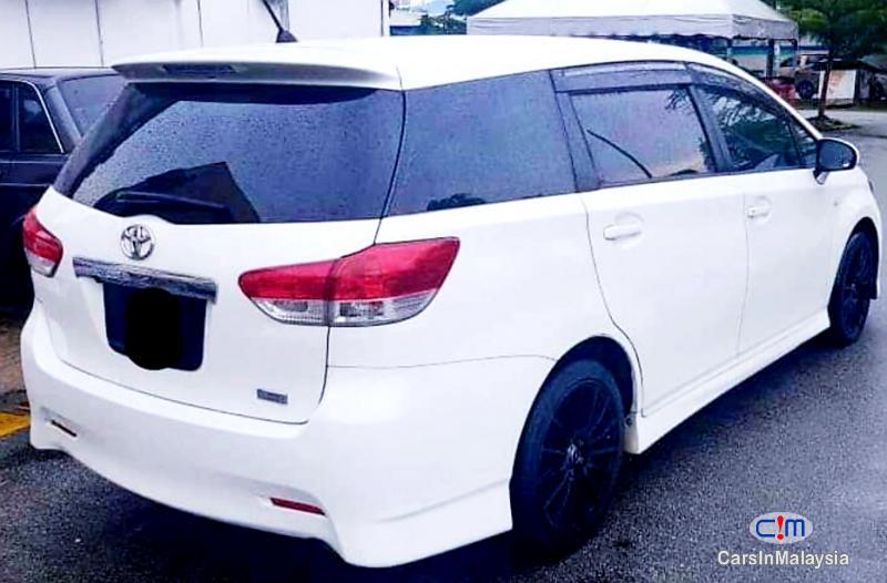 Toyota Wish 1.8-LITER FAMILY SMALL MPV Automatic 2012 in Kuala Lumpur