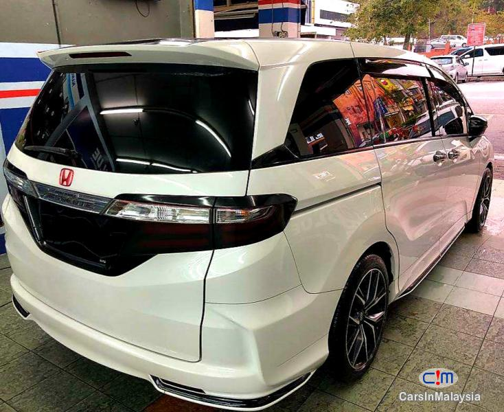 Honda Odyssey 2.4-LITER LUXURY FAMILY SUV Automatic 2016