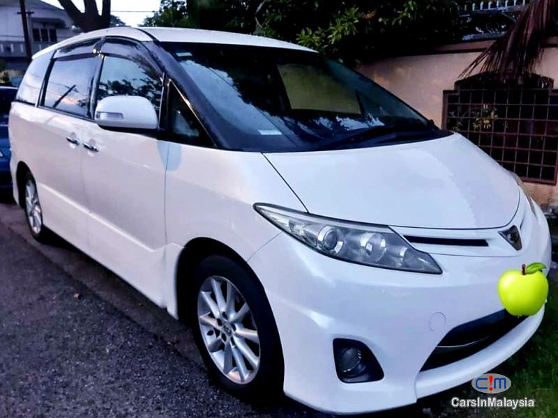 Toyota Estima 2.4-LITER LUXURY FAMILY MPV Automatic 2011