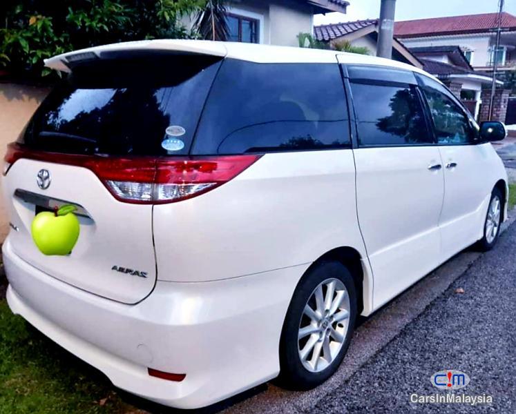 Toyota Estima 2.4-LITER LUXURY FAMILY MPV Automatic 2011 in Malaysia