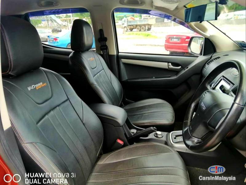 Isuzu D-Max 3.0-LITER CAB CHASSIS 4WD DIESEL TURBO Automatic 2016 - image 10