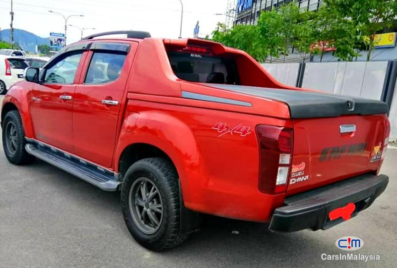 Isuzu D-Max 3.0-LITER CAB CHASSIS 4WD DIESEL TURBO Automatic 2016 in Malaysia