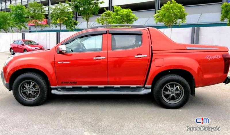 Picture of Isuzu D-Max 3.0-LITER CAB CHASSIS 4WD DIESEL TURBO Automatic 2016 in Malaysia