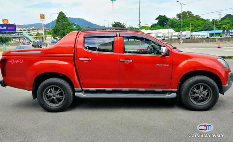 Isuzu D-Max 3.0-LITER CAB CHASSIS 4WD DIESEL TURBO Automatic 2016 in Selangor - image