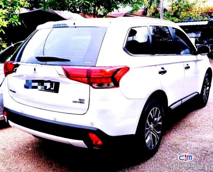 Mitsubishi Outlander 2.0-LITER 7 SEATER FAMILY SUV Automatic 2018
