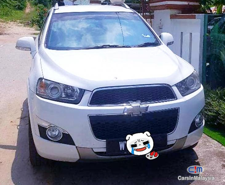 Picture of Chevrolet Captiva 2.0-LITER LUXURY FAMILY SUV Automatic 2012