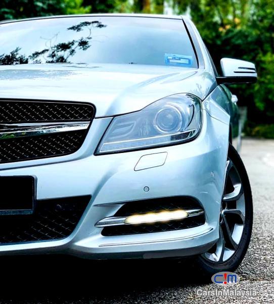 Mercedes Benz C250 CGI 1.8-LITER LUXURY SEDAN Automatic 2012 - image 11