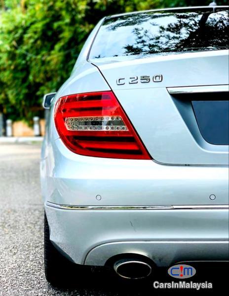 Mercedes Benz C250 CGI 1.8-LITER LUXURY SEDAN Automatic 2012 - image 12