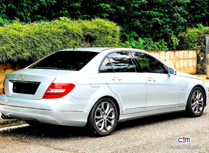 Mercedes Benz C250 CGI 1.8-LITER LUXURY SEDAN Automatic 2012 in Malaysia