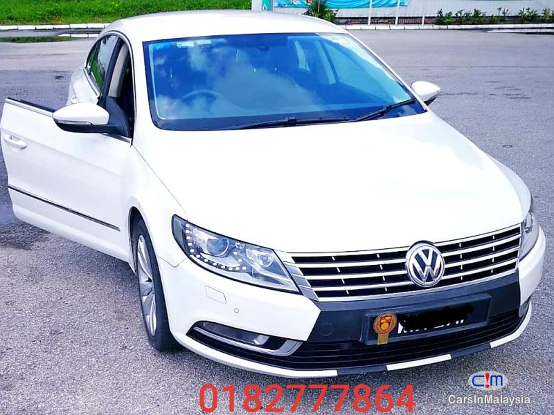 Picture of Volkswagen Passat 1.8-LITER LUXURY SEDAN Automatic 2012
