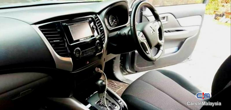 Mitsubishi Triton 2.5-LITER 4x4 DOUBLE CAB DIESEL TURBO Automatic 2017 - image 12
