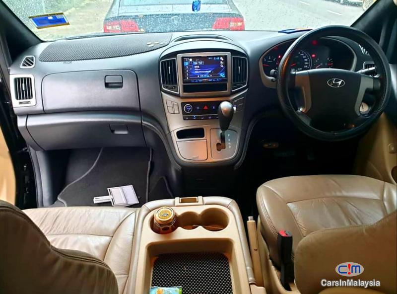 Hyundai Grand Starex 2.5-LITER 11 SEATER FAMILY MPV NEW MODEL FACELIFT Automatic 2017 in Malaysia - image