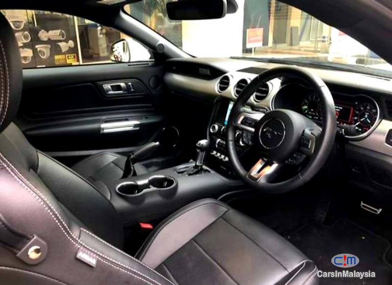 Ford MUSTANG 2.3-LITER LUXURY SUPER SPORT CAR Automatic 2019 - image 3