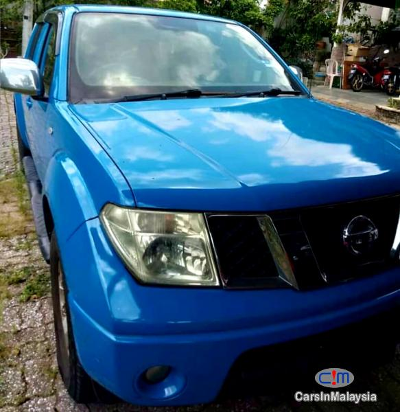 Picture of Nissan Navara 2.5-LITER 4X4 CAB CHASSIS DIESEL TURBO Automatic 2012