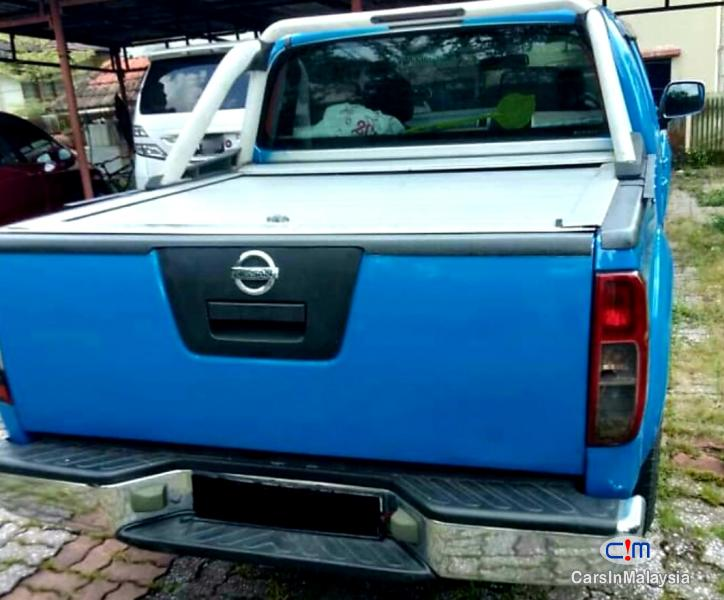 Nissan Navara 2.5-LITER 4X4 CAB CHASSIS DIESEL TURBO Automatic 2012 in Malaysia