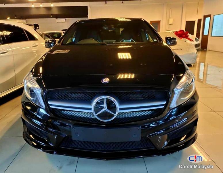 Mercedes Benz A45 AMG 2.0-LITER LUXURY SPORT HATCHBACK Automatic 2020 - image 12