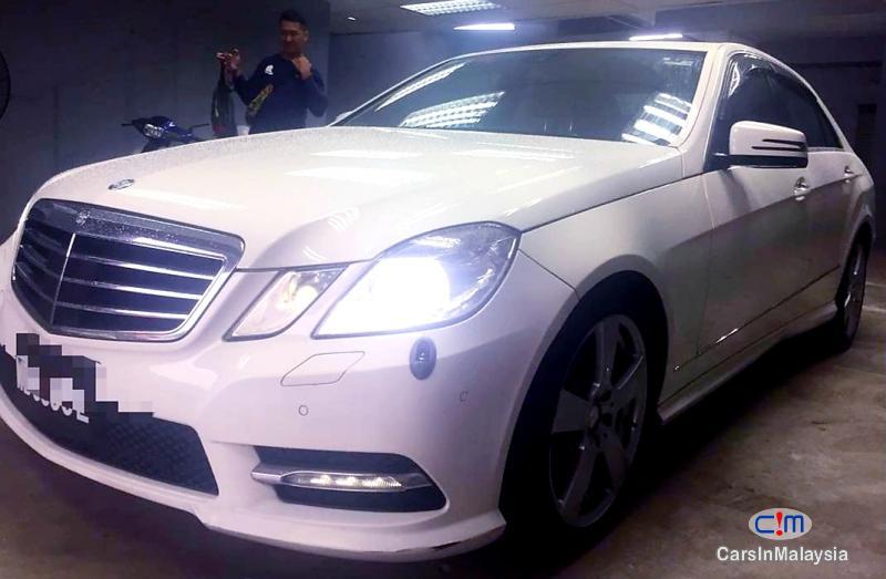 Mercedes Benz E250 CGI 1.8-LITER LUXURY CGI TURBO SEDAN Automatic 2012