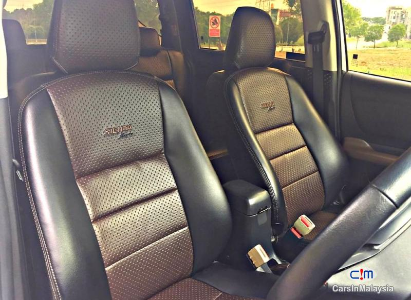 Toyota Sienta 1.5-LITER ECONOMY FAMILY MPV Automatic 2018 - image 11