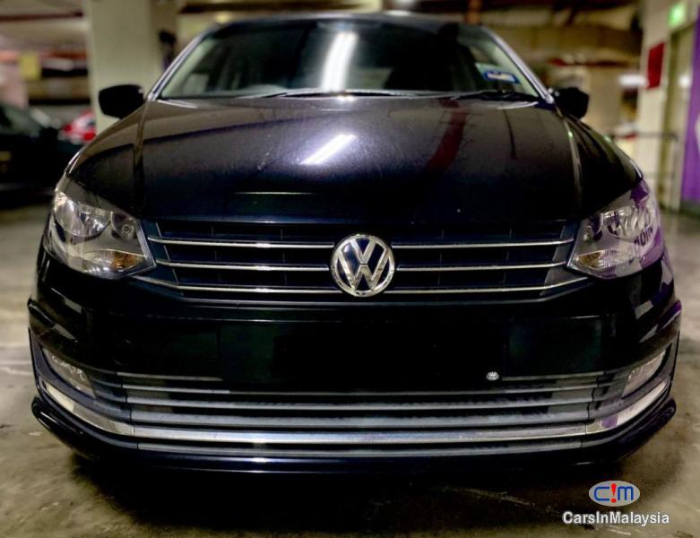 Volkswagen Vento 1.6-LITER ECONOMY SEDAN Automatic 2017 - image 12