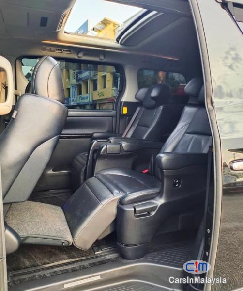 Toyota Vellfire 3.5-LITER PILOT SEATS FAMILY LUXURY MPV FULL SPEC Automatic 2014 - image 10