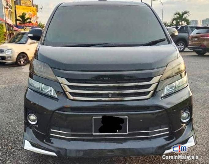Toyota Vellfire 3.5-LITER PILOT SEATS FAMILY LUXURY MPV FULL SPEC Automatic 2014 in Malaysia