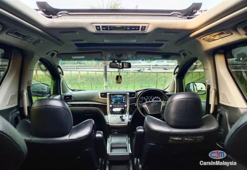 Toyota Vellfire 3.5-LITER PILOT SEATS FAMILY LUXURY MPV FULL SPEC Automatic 2014 in Malaysia - image