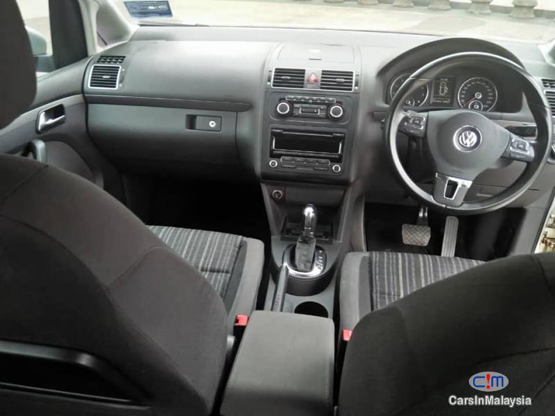 Volkswagen Cross Touran Automatic 2012 - image 3