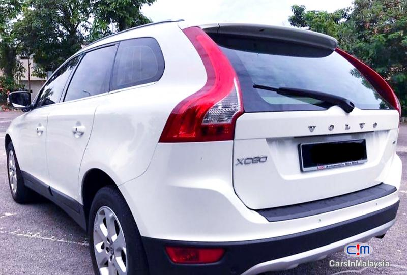 Picture of Volvo XC60 2.0-LITER LUXURY SUV Automatic 2011