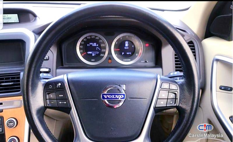 Volvo XC60 2.0-LITER LUXURY SUV Automatic 2011 in Malaysia