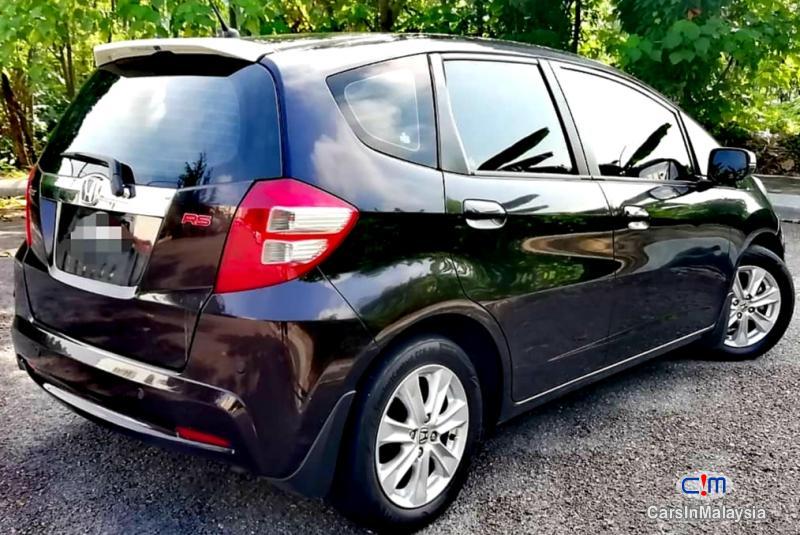 Picture of Honda Jazz Hybrid 1.4-LITER FUEL ECONOMY HYBRID HATCHBACK Automatic 2014