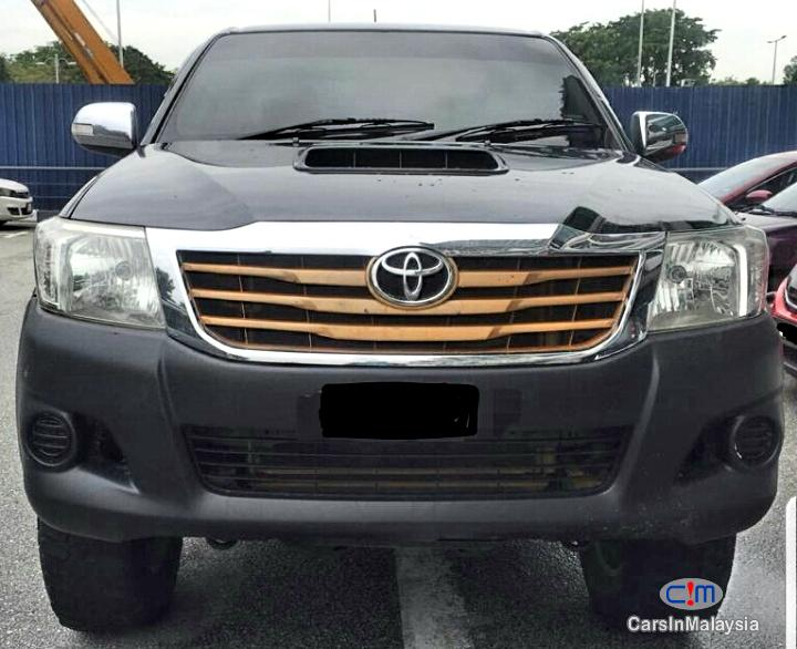 Picture of Toyota Hilux 2.5 4X4 4WD Automatic 2013