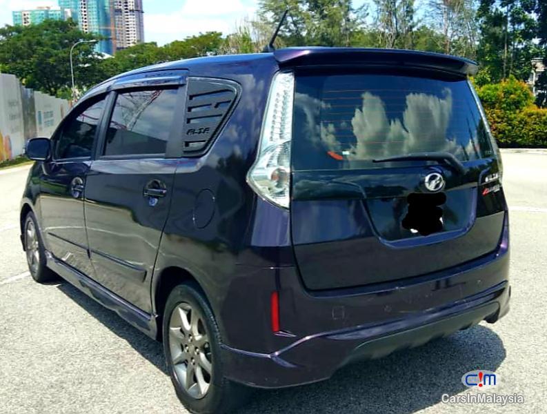 Perodua Alza 1.5-LITER FAMILY ECONOMY MPV Automatic 2015 in Malaysia