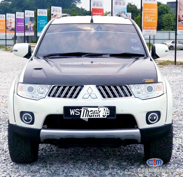 Mitsubishi Pajero Sport 2.5-LITER FAMILY 4X4 4WD DIESEL SUV Automatic 2013 in Selangor