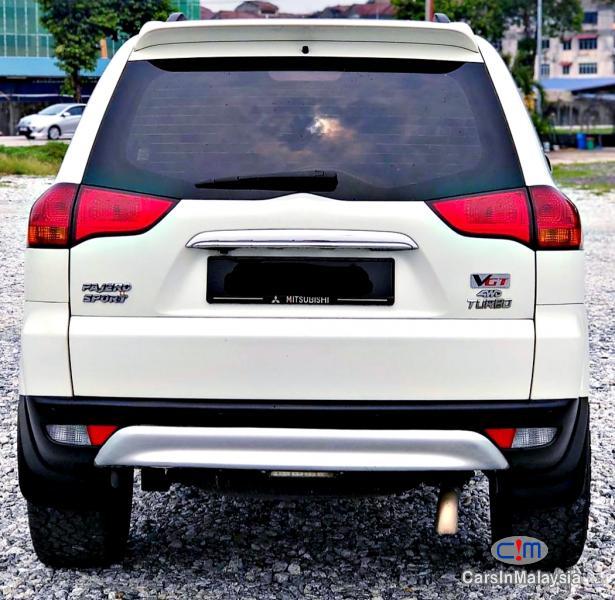 Mitsubishi Pajero Sport 2.5-LITER FAMILY 4X4 4WD DIESEL SUV Automatic 2013 in Malaysia