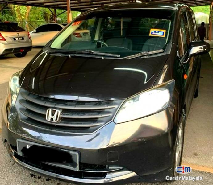 Honda Freed 1.5-LITER ECONOMY FAMILY MPV Automatic 2012