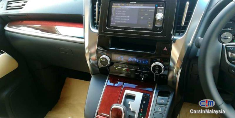 Toyota Alphard 2.5-LITER LUXURY FAMILY SUV Automatic 2016 - image 8