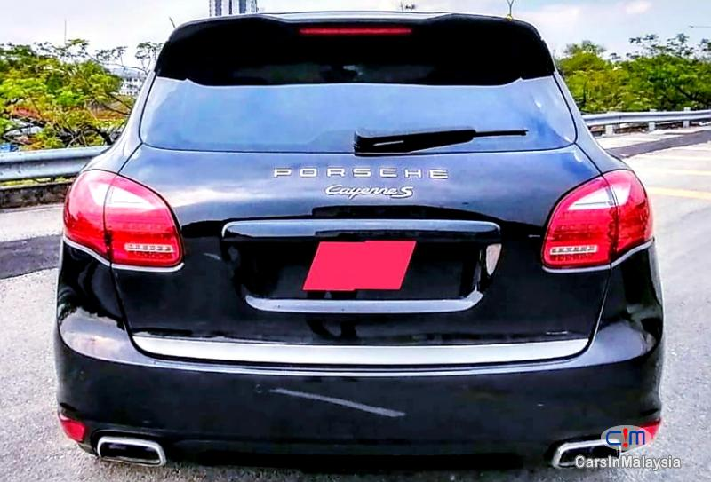 Picture of Porsche Cayenne 3.0-LITER LUXURY SUV Automatic 2016 in Selangor