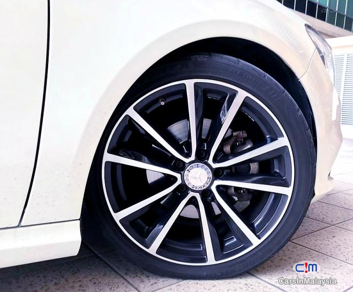 Mercedes Benz CLA200 2.0-LITER LUXURY SPORT SEDAN Automatic 2015 - image 10