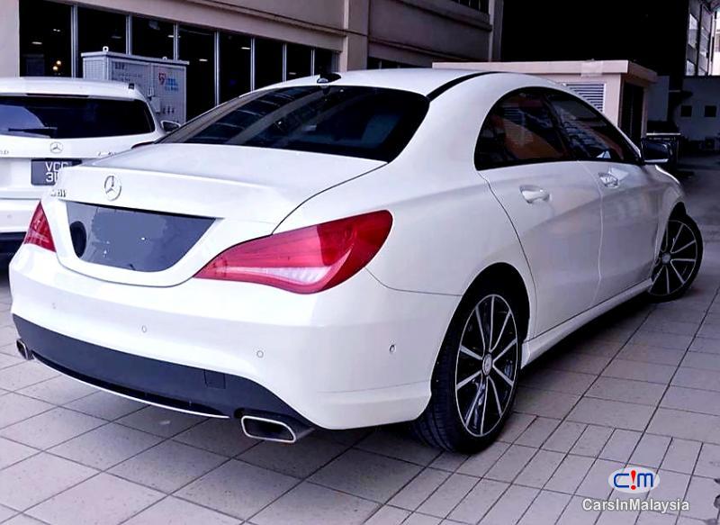 Mercedes Benz CLA200 2.0-LITER LUXURY SPORT SEDAN Automatic 2015