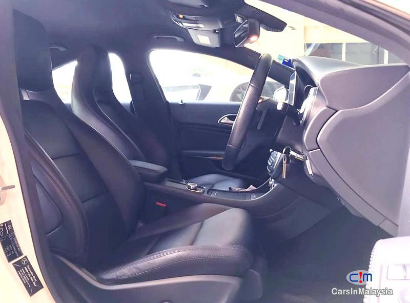 Mercedes Benz CLA200 2.0-LITER LUXURY SPORT SEDAN Automatic 2015 in Malaysia