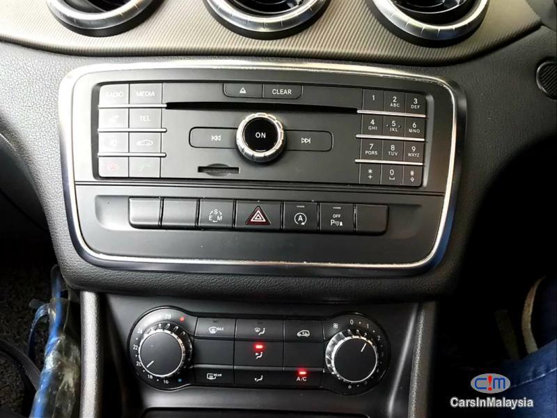 Mercedes Benz CLA200 2.0-LITER LUXURY SPORT SEDAN Automatic 2015 in Selangor - image