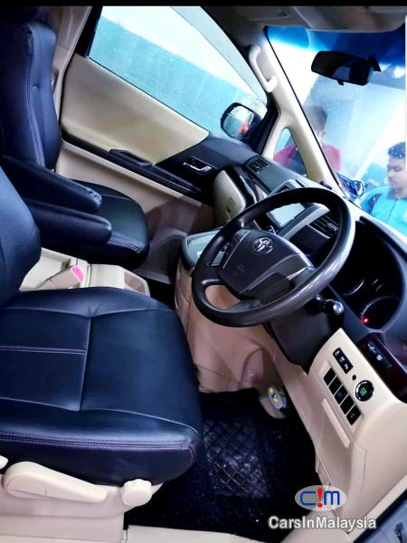 Toyota Vellfire 2.4-LITER LUXURY FAMILY MPV Automatic 2017 - image 10