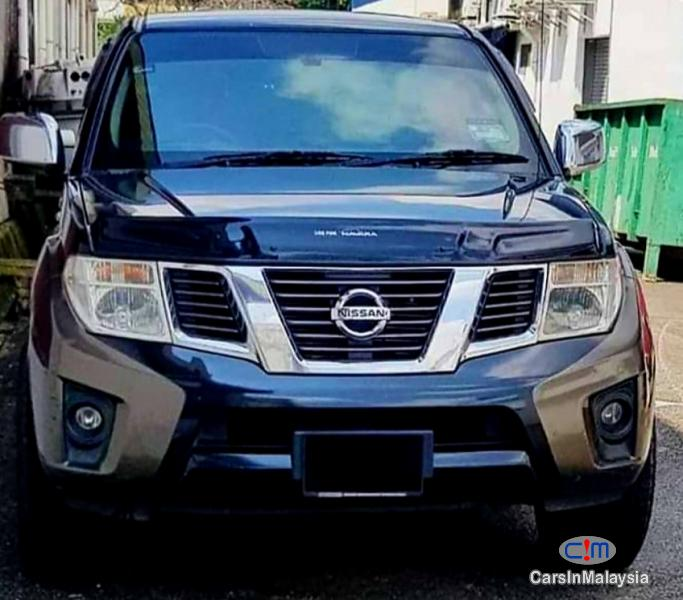 Pictures of Nissan Navara 2.5-LITER 4X4 DOUBLE CAB CHASSIS DIESEL TURBO Automatic 2014