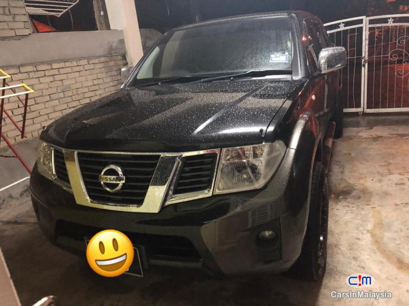 Nissan Navara 2.5-LITER 4X4 DOUBLE CAB CHASSIS DIESEL TURBO Automatic 2014 in Malaysia - image