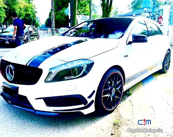 Mercedes Benz A180 1.6-LITER TURBO HATCHBACK Automatic 2019 in Selangor