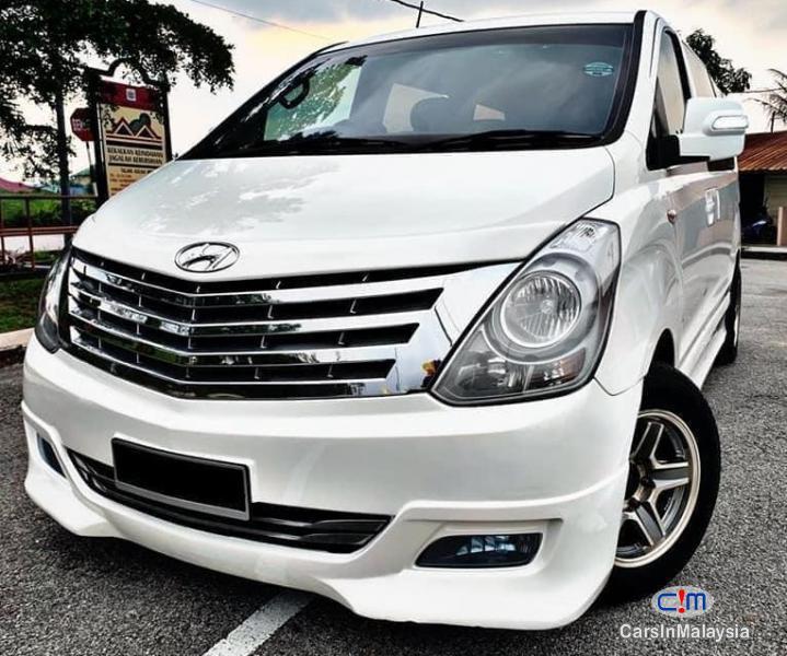 Hyundai Starex 2.5-LITER 11 SEATER MPV DIESEL TURBO Automatic 2013 - image 12